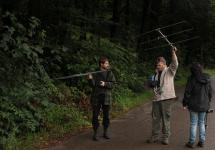 Peter explained how to move the yagi antena for catching the best signal.jpg